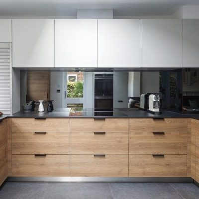 White and Oak Modern Kitchen Design
