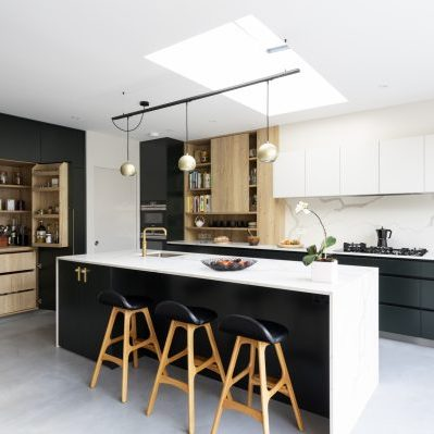 Bold Green and Oak Bespoke Kitchen Design